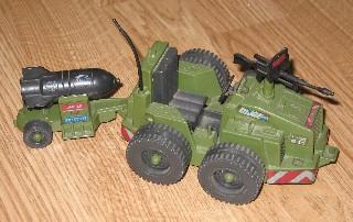 JOE_V_S01_85-Weapon Transport